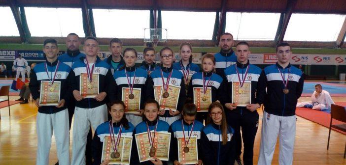 """Три златна одличја појединачно и једно златно у екипној конкуренцији за КК """"Хајдук"""" Кула"""