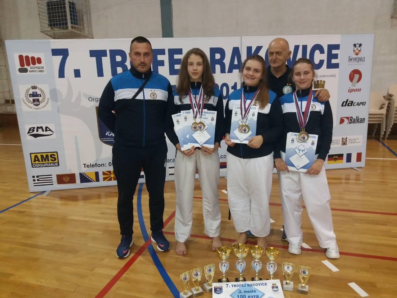 Ženske nade ekipno - 1. mesto
